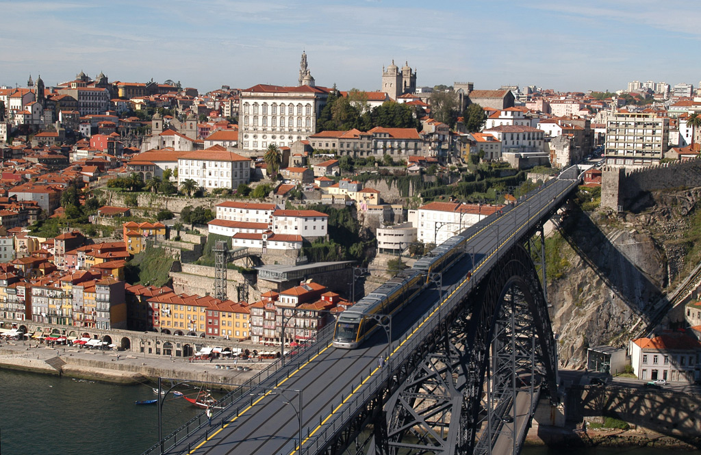 Top 5 Reasons why you should move to Porto